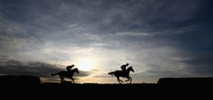 24sport: Runners head to the start of at Wincanton