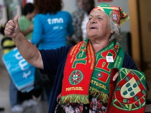 24sport: Portuguese supporter awaits the arrival of the national soccer team
