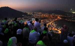 Mecca Hajj: Muslim pilgrims pray on Noor Mountain in the holy city of Mecca