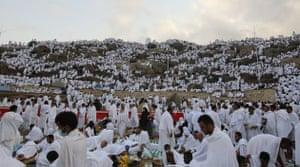Mecca Hajj: Muslim pilgrims gather at Mount Arafat, southeast of the city of Mecca