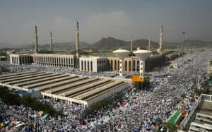 Mecca Hajj: Muslim pilgrims gather outside Namira mosque