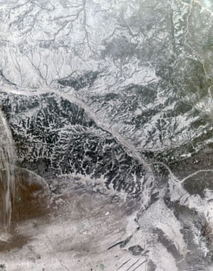 Satellite Eye on Earth: Snowy and hazy central Russia : Ob River