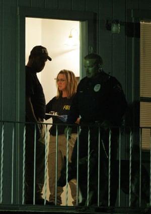 fort hood shooting: Federal agents search the apartment of Maj. Nidal Malik Hasan