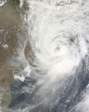 Cyclone aila : Satellite image of  Bay of Bengal deep into India, Bangladesh, and Myanmar