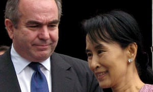 Aung San Suu Kyi and the US envoy Kurt Campbell after their meeting in Rangoon in 2009