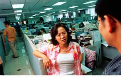 Hu Shuli has resigned as editor of Ciajing magazine.