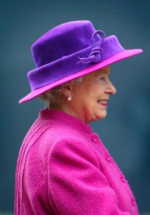 Queen Elizabeth II: 2004: Queen Elizabeth II views the world's biggest passenger liner