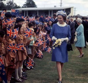 Queen Elizabeth II: 1970: Queen Elizabeth II with the brownies, New Zealand