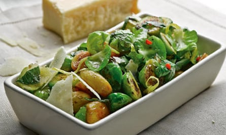 Sprouts with garlic and lemon