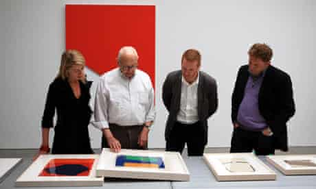 Ellsworth Kelly with visitors from Mima