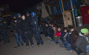 Copenhagen Diary: COP15 : police arrest during riots at Christiania