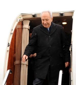 who is in Copenhagen: Israeli President Shimon Peres arrives in Copenhagen
