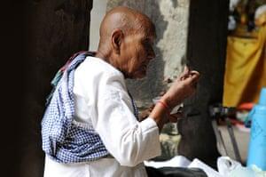 Been there photos: Nun eating
