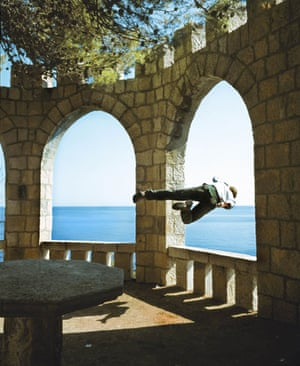 Kerry Skarbakka: Kerry Skarbakka jumps through a window in Croatia
