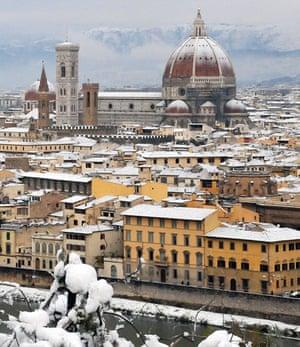 Snow around the world: Florence, Italy: The Duomo Basilica di Santa Maria del Fiore cathedral