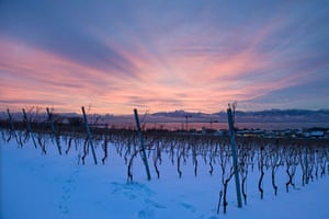 Snow: Switzerland: The sun rises over the Swiss and French Alps