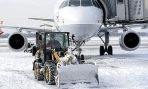 snow closes airports