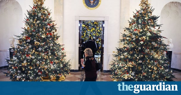 Volunteers decorate white house for christmas us news for B q christmas decorations