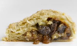 Bramley and mincemeat pasty