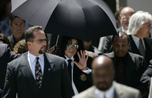 Pictures of the Decade: 13 June 2005: Michael Jackson leaves Santa Maria court after his case