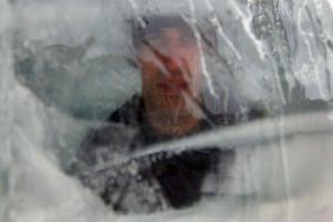 24 hours: Israeli israeli hezi dayan attempts to break ice endurance record
