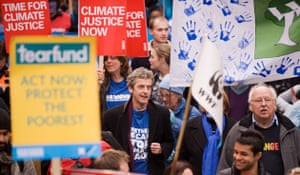 Wave climate change demo: Peter Capaldi and Michael Fish join The Wave demonstration