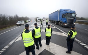 Copenhagen diary: COP15 Danish police controls vehicles