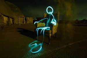 Light Graffiti: Armchair Alien
