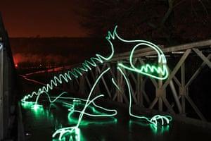 Light Graffiti: Green Dragon