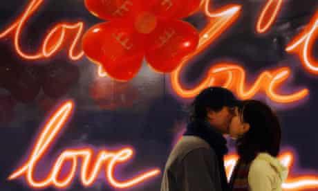A Bulgarian couple kiss in Sofia a day ahead 2006's Saint Valentine's day