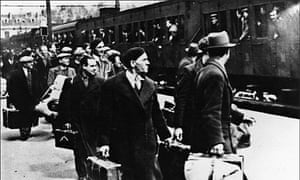 Jews arriving at Pithiviers