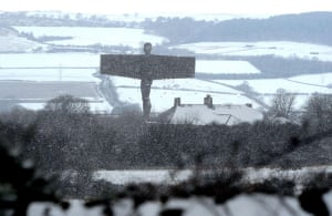 Gallery Snow in England: Gateshead: The Angel of the North in the snow.