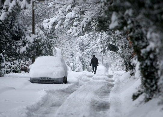 snow in england uk news the guardian. Black Bedroom Furniture Sets. Home Design Ideas