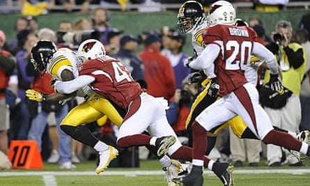 The Pittsburgh Steelers and the Arizona Cardinals in action during Superbowl XLIII