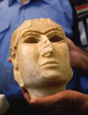 """Baghdad museum : The """"Warka Mask"""", looted from Iraqi national museum"""