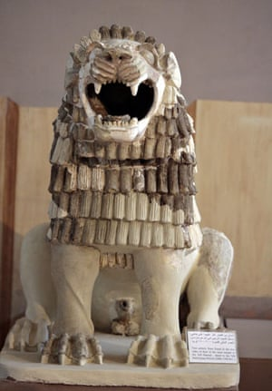 iraqi national museum: A Babylonian lion at the re-opened Iraqi national museum