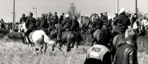 Orgreave Battle: Mounted police at picket lines in Battle of Orgreave