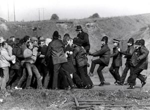 Orgreave Battle: Miners and police clash near the coking plant