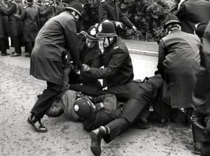 Orgreave Battle: Policemen arresting a picket during confrontations
