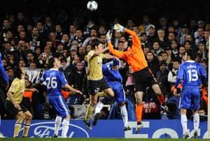 Chelsea v Juventus: Cech
