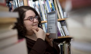 Naomi Alderman with her electronic reader