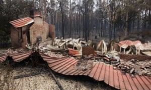 Gallery Australian fires: Burnt out houses smolder at Kinglake