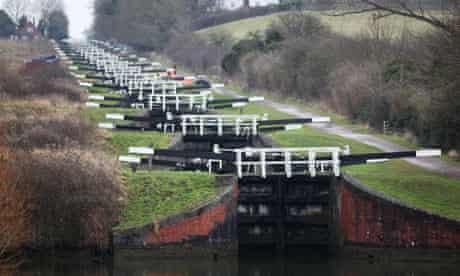 Caen Hill flight of 16 canal locks, Devizes, Wiltshire