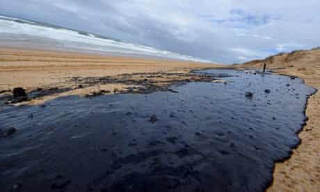 A huge oil slick on Warana beach