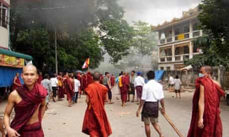 Confrontation in Burma as monks continue marches