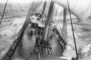 villiers: The Grace Harwar sailing in a storm