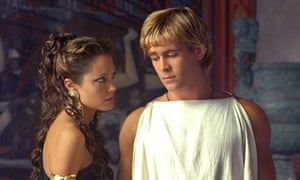 Angelina Jolie and Colin Farrell in scene from Alexander
