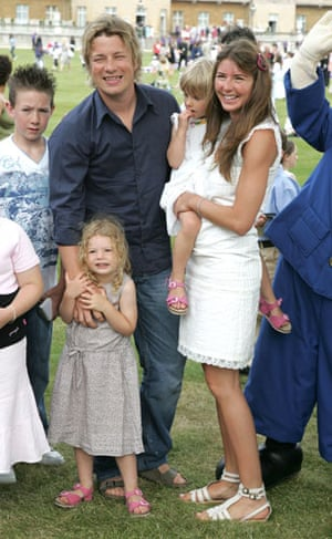 Jamie Oliver: Jamie and Jools Oliver with children Daisy and Poppy