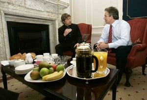 Jamie Oliver: Jamie Oliver talks with Tony Blair in Downing Street in 2005