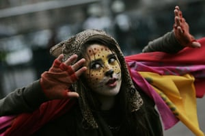 g20 night: A young G20 demonstrator in London